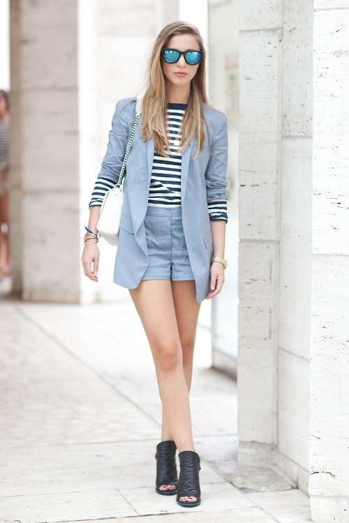 Kerry Pieri from @Harper's Bazaar looking fab in her grey short shorts suit in NYC. #MelodieJeng